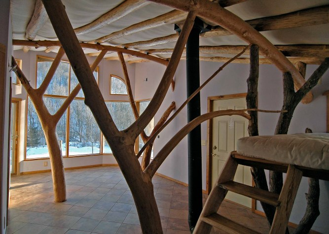 Branching columns in the Bookend House at Driftless Farm
